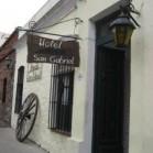 San Gabriel Guesthouse & Restobar